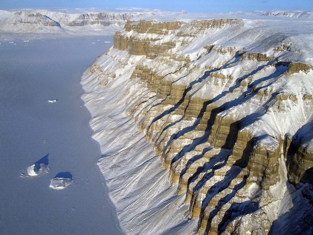Băng tại vùng biển Greenland đang tan chải