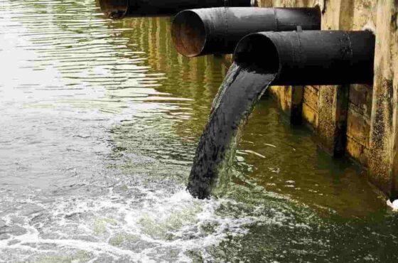 ô nhiễm nguồn nước của các xí nghiệp